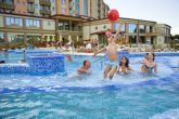 Piscina all'aperto presso l'Hotel Karos Spa - weekend benessere