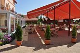 Terrazza con drink bar all'Hotel Aqua-Spa a Cserkeszolo