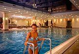 Centro termale e benessere all'Hotel Health Spa Resort Margitsziget - piscina interna e saune
